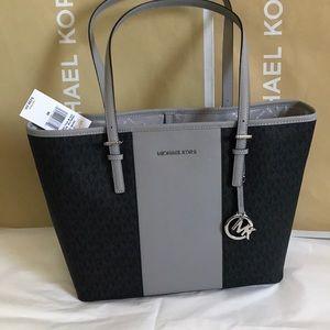 💦🌻mk carryall tote🌻black/med/grey/shoulder bag